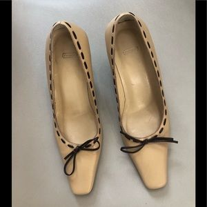Coach nude brown bow detail leather pumps heels 6B
